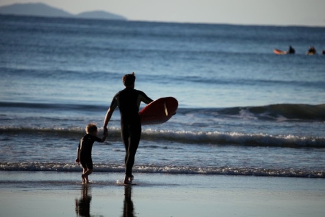 father-and-child-surfing-2